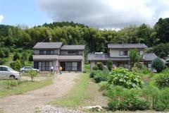 (左)壺井さんと(右)田中さん家