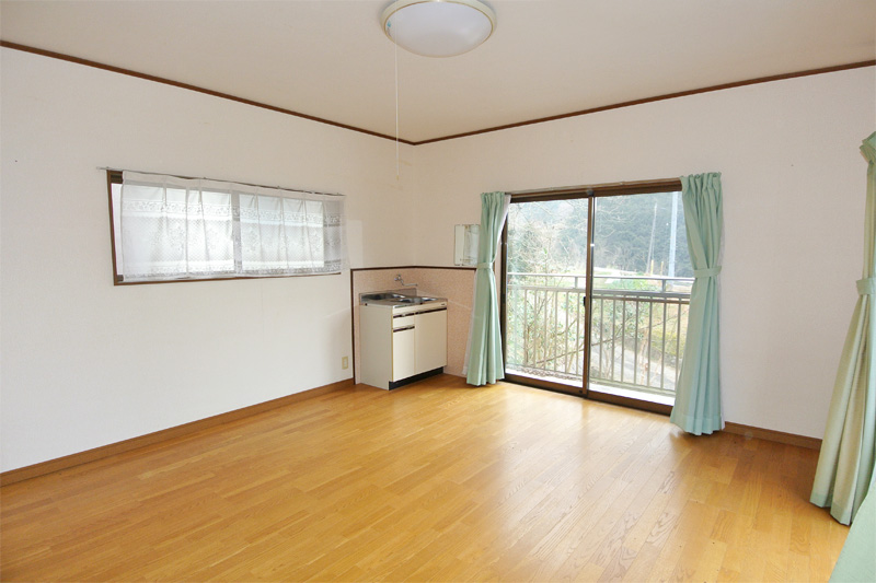 離れ2階・洋室(ミニキッチン付き!)