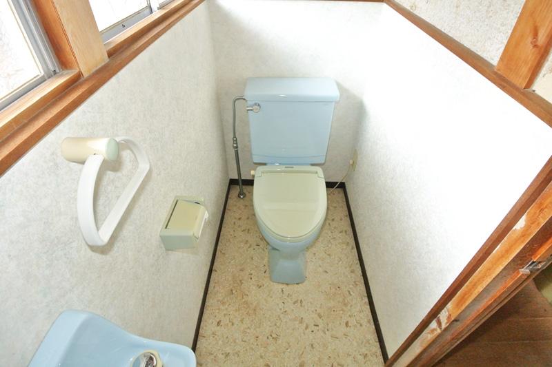 母屋1階の水洗トイレ